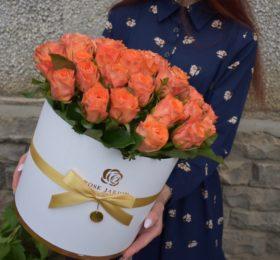 Шляпная коробка (45 роз)
