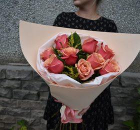 9 Роз в оформлении ( Голландия )