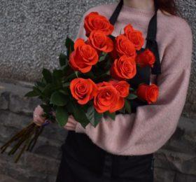 11 Роз на ленте