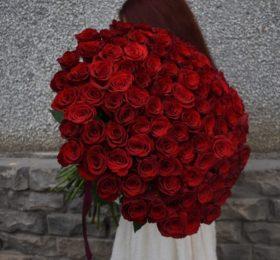 101 Роза (Эквадор) на ленте