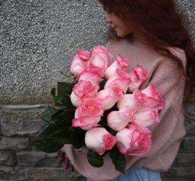 15 роз (Эквадор) на ленте