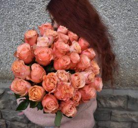 31 Роза (Эквадор) на ленте