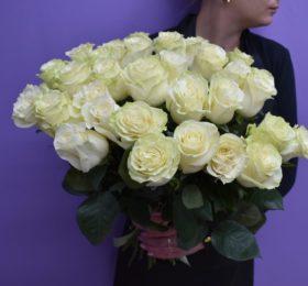 25 Роз на ленте