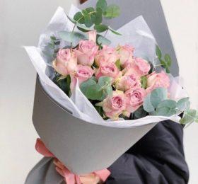 13 Роз с зеленью